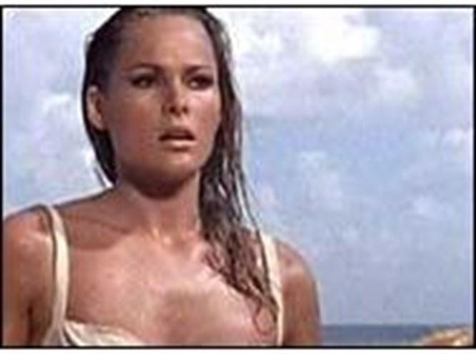 En iyi Bond kızı Ursula Andress